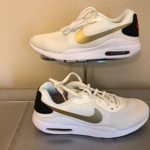 Nike Women's Air Max Oketo size 7